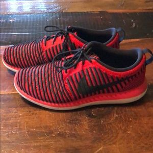 Black and Red Nike Sneakers: Mens Size 7
